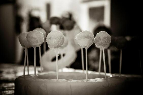 Professional photo of Engagement Cakepops